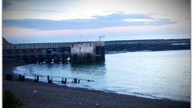 Costa de Caleta Olivia, canto rodado y vistas preciosas de la playa.